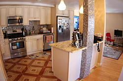 Condo 3 bedroom, 2 bath end unit townhouse. Staten Island, NY